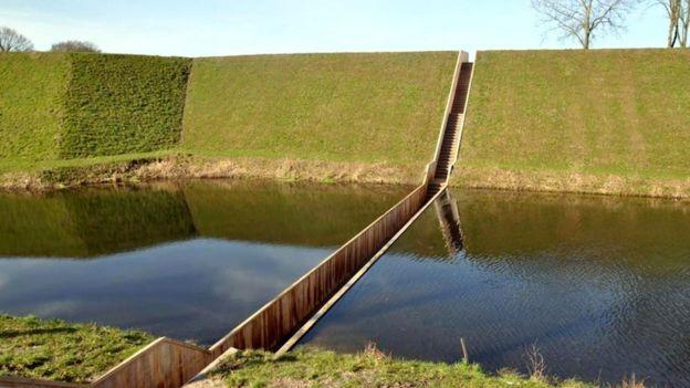 Мост Моисея, Нидерланды