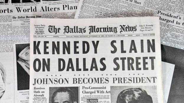 داستان فقط چند هفته پس از ترور کندی محبوب شد