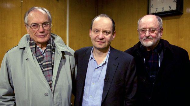 De izquierda a derecha: Horst von Wächter, Philippe Sands y Niklas Frank.