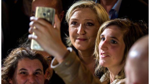 Marine Le Pen em campanha de 8 de junho