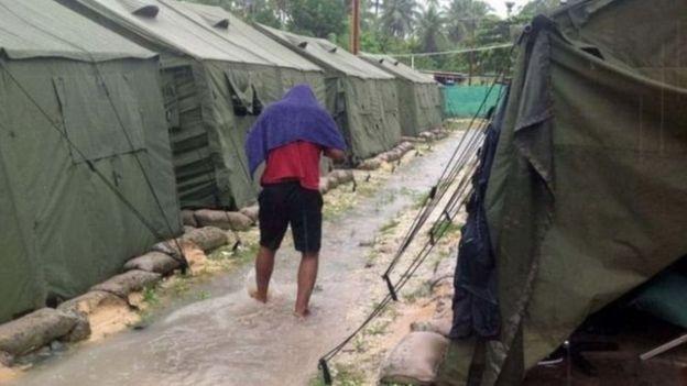 اردوگاه جزیره مانوس