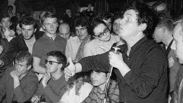 تولى كون-بينديت عام 1968 الاحتجاجات الطلابية في جامعة نانتير