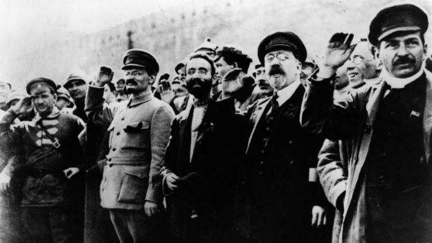 Сталин, Троцкий и другие революционеры в 1917 году