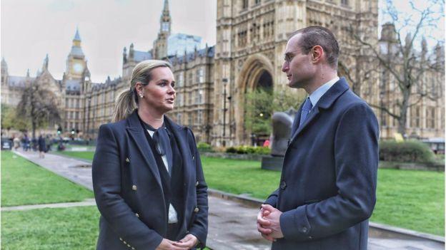 Os advogados Cristiano Martins e Valeska Teixeira Zaznin Martins em Londres em março de 2017