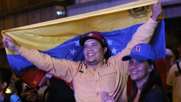 Partidarios de Maduro celebran el resultado