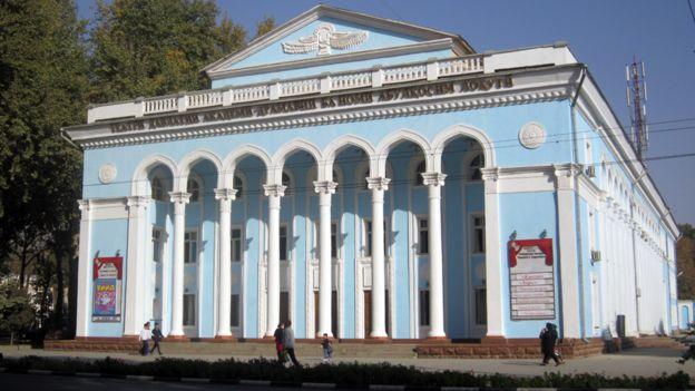 تئاتر لاهوتی در پایتخت تاجیکستان