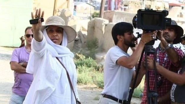 رویا سادات 'خانه فیلم رویا' را از سالها پیش راه انداخته و فعالیتهایش در آن، یکی از دلایلی بوده که بارها تحسین شده است.
