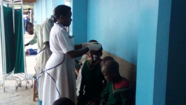 Watoto wakipata huduma katika hosipitali ya Rulenge baada ya mlipuko