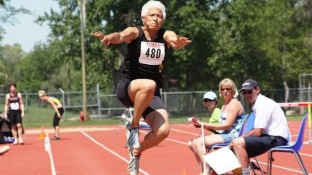 كارول لافاييت-بويد، 75 ىسنة ، من كندا