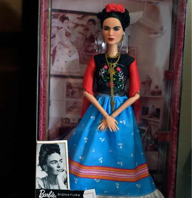 La muñeca Barbie de Frida Kahlo.