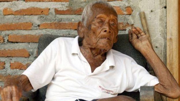 'உலகிலேயே வயதான' 146 வயது இந்தோனேசிய முதியவர் மரணம்