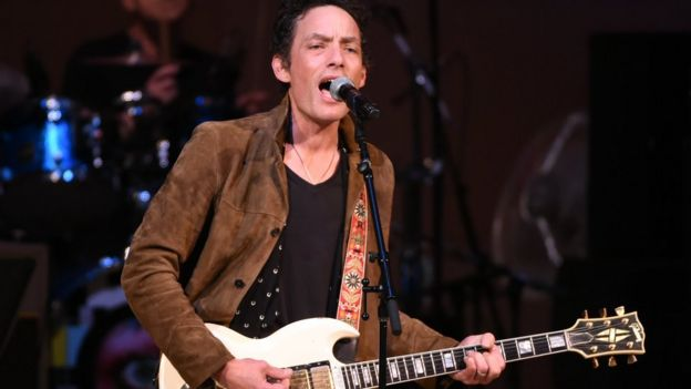 Heroes, another of Bowie's hits, was performed by Jakob Dylan