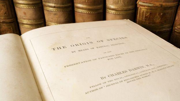 Libro escrito por Darwin.