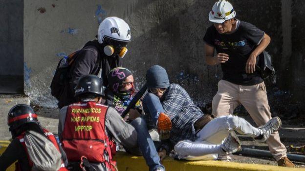 Un herido en protesta contra el gobierno de Nicolás Maduro