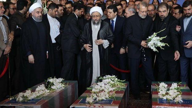 علی لاریجان، صادق لاریجانی، حسن روحانی