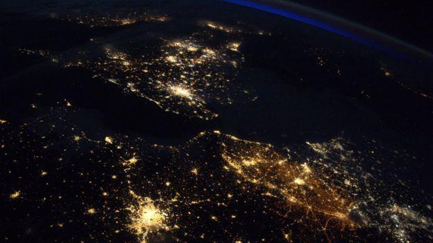 London, París y Bruselas vistas desde el espacio