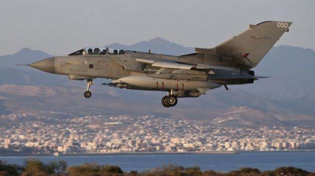 Tornado GR4 của Không quân Hoàng gia Anh