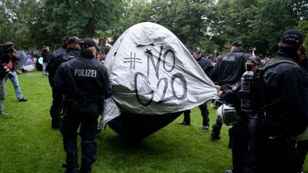 G20 eylemcilerinin çadırları önce kaldırıldı, ardından 600 çadıra izin verildi