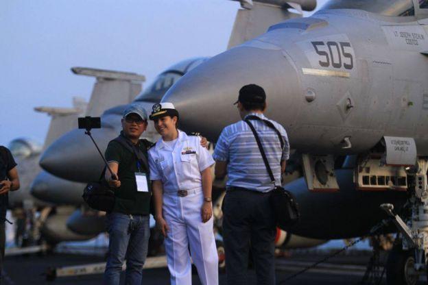 Sự kiện Hàng không mẫu hạm USS Carl Vinson tới thăm Việt Nam đầu tháng 3/2018 được quốc tế chú ý