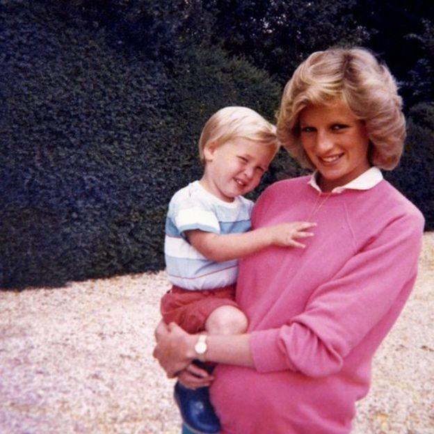 La princesa Diana con su hijo William