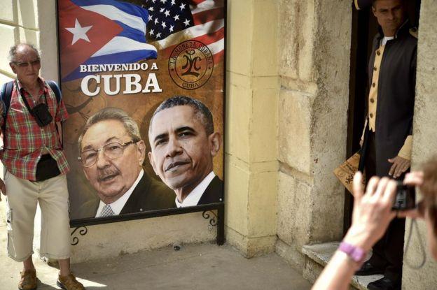 Barack Obama flexibilizó las reglas para que empresas de EE.UU. trabajen con el estado cubano.