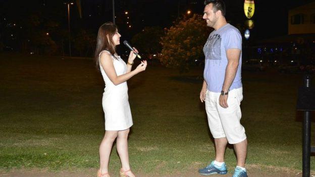 Flavia proposing to Diogo