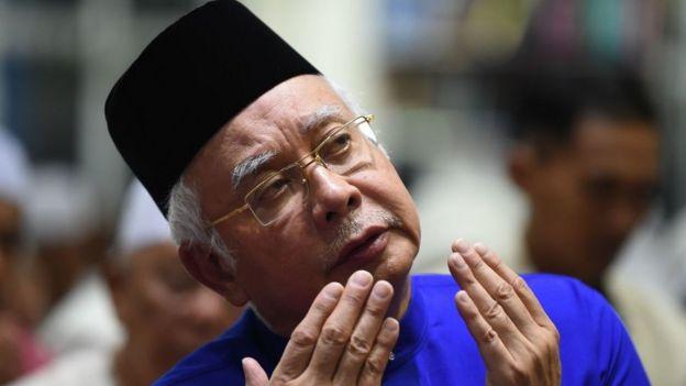 پلیس مالزی محلهای متعلق به نخست وزیر سابق را بازرسی کرد