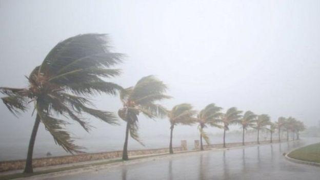 Kimbunga Irma kikiandamana na upepo mkali.