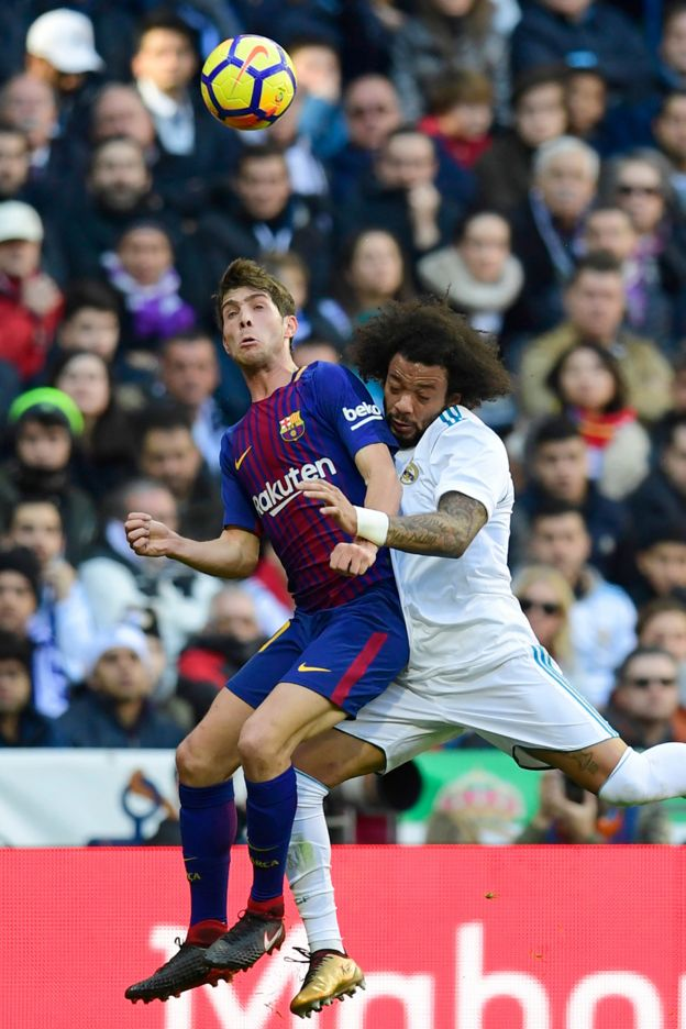 Acción del clásico español entre Real Madrid y Barcelona.
