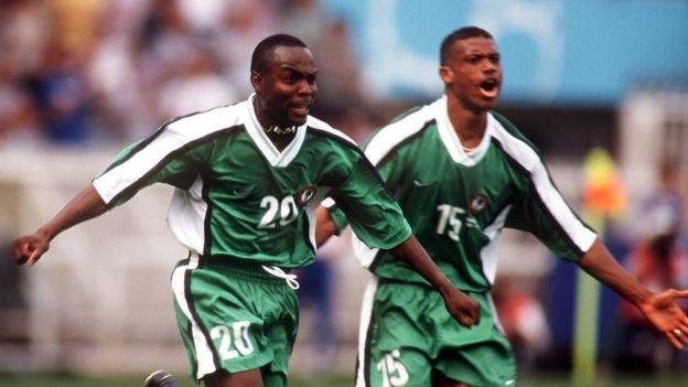 Los nigerianos celebrando un gol