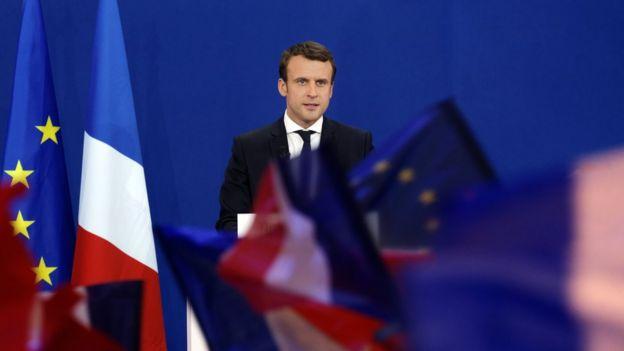 Emmanuel Macron habla ante sus simpatizantes