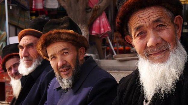_84151989_uighurs.jpg