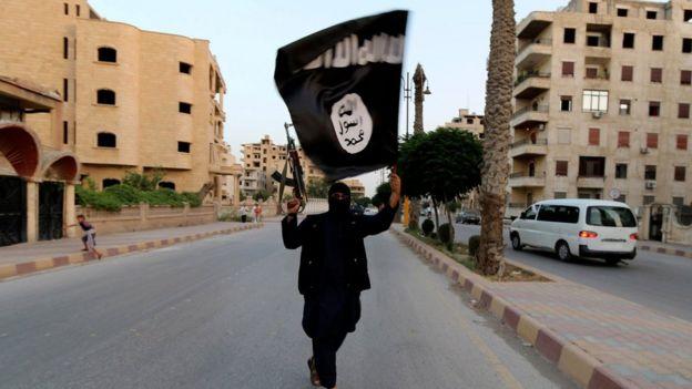 Suriye'nin Rakka kentindeki IŞİD üyesi