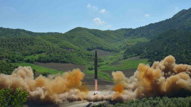 Kuzey Kore'nin paylaştığı son füze denemesi fotoğrafı