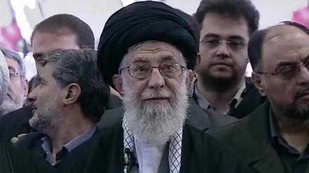 Cenaze törenini İran'ın dini lideri Ayetullah Hamaney yönetti