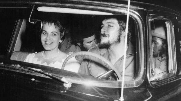Imagen antigua del Che Guevara y Aleida March el día de su boda en La Habana, en junio de 1959.