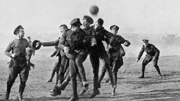 WWI 1914 Christmas truce: 'Stop it at once' order auctioned - BBC News