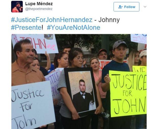 Protesta pidiendo justicia por la muerte de Hernandez