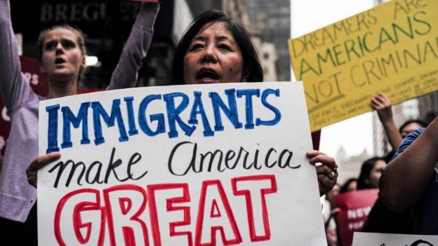 Muro e inmigración, los temas principales de Trump