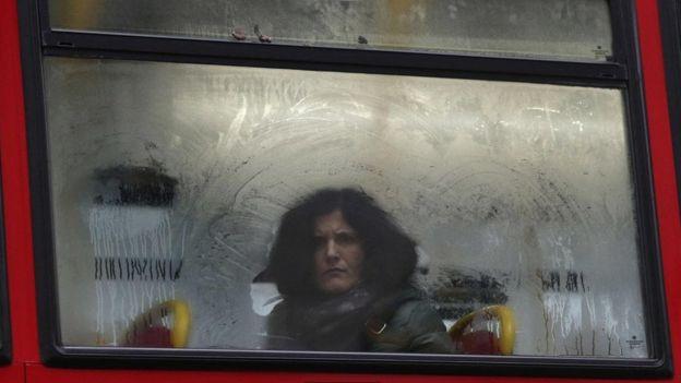 Otobüste bir kadın