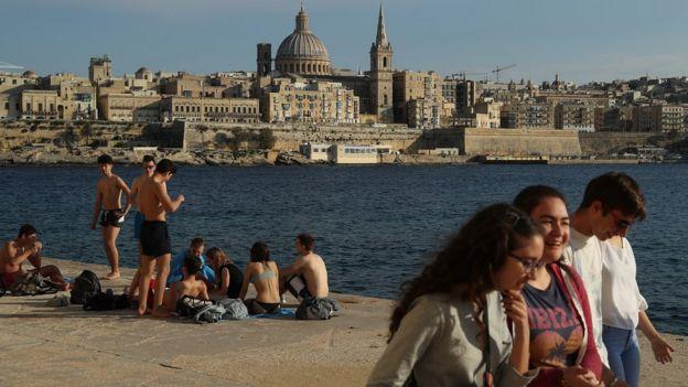 Отдыхающие на Мальте