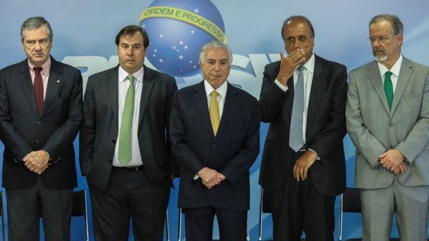 Membros do Executivo e do Legislativo, incluindo o presidente Michel Temer e o ministro Raul Jungmann