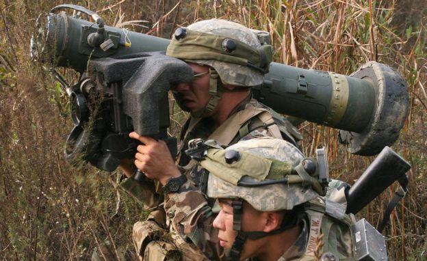 Güney Kore'de tanksavar eğitimi - omuzdan fırlatmalı bu füzeler tankları vurabiliyor