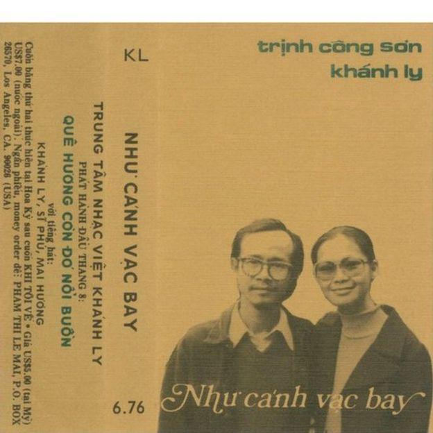 Một trong những băng nhạc đầu tiên của Khánh Ly phát hành tại Mỹ năm 1976
