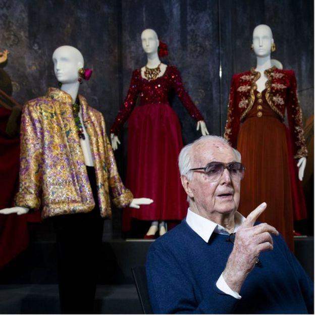 2016 shot of Hubert de Givenchy at a 2016 retrospective exhibition of his work