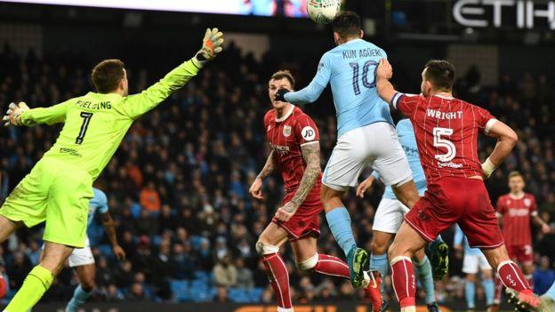 Agüero volvió a ser el héroe en una victoria del Manchester City
