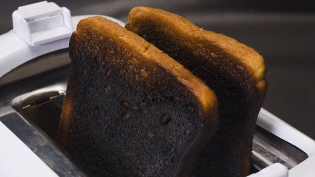 آکریلآمید در مواد غذایی دیگری مانند نان برشته، چیپس، تهدیگ و سوسیس برشته هم وجود دارد.