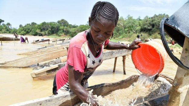 Mineradora trabalha em Serra Leoa