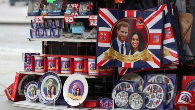 Souvenirs de la boda entre Harry y Meghan.