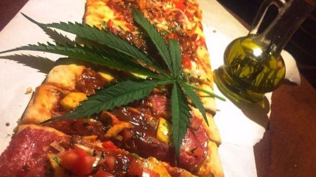 Pizza feita com maconha